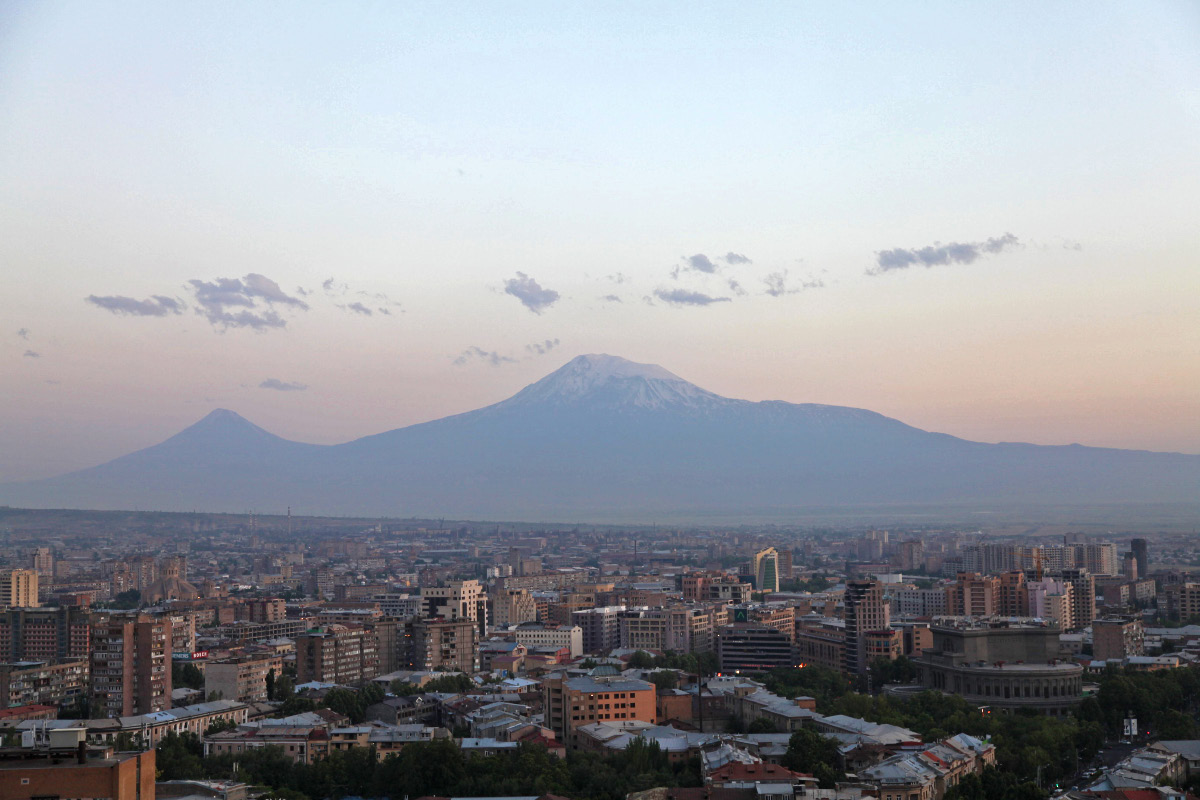 ararat muslim The qur'an was written down from sayings of mohammed in the seventh century ad and states that the ark came to rest on al judi or mount cudi in turkish, where the turkish c is pronounced.